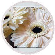 Julia's Daisy's Round Beach Towel