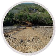 Jungle And Ruins View Round Beach Towel
