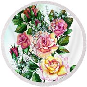 Just Roses Round Beach Towel