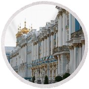 Katharinen Palace And Onion Domes - Russia Round Beach Towel