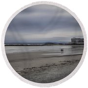 Kennebunkport Maine And Colonial Hotel Round Beach Towel