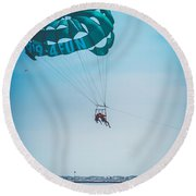 Kissing Over The Ocean Round Beach Towel