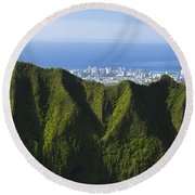 Koolau Mountains And Honolulu Round Beach Towel