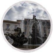 La Fontana Di Diana - Fountain Of Diana Silver Jets And Sky Drama Round Beach Towel