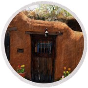 La Puerta Marron Vieja - The Old Brown Door Round Beach Towel