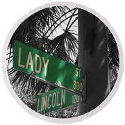 Lady And Lincoln Round Beach Towel