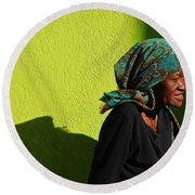 Lady In Green Round Beach Towel