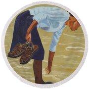 Lady On The Seashore Round Beach Towel