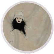 Lady With Black Fur Round Beach Towel