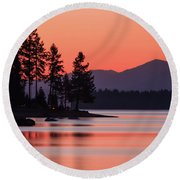 Lake Almanor Twilight Round Beach Towel