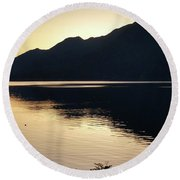 Lake Cresent At Dusk Round Beach Towel