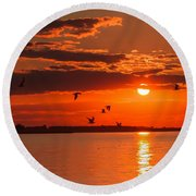 Lake Erie Sunset 7999 Round Beach Towel