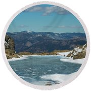 Lake Of Glass Winter Round Beach Towel