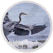 Landing With The Wave Round Beach Towel