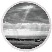 Landscape From Garrowby Hill, Yorkshire Uk Round Beach Towel