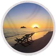 Lanikai Lounging At Sunrise Round Beach Towel