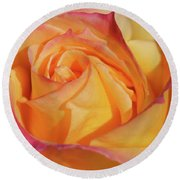 Large Peace Rose Center 006 Round Beach Towel