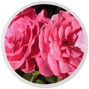 Large Pink Roses Round Beach Towel