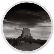 Last Light On Devils Tower Bw Round Beach Towel