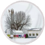 Laundry Drying In Winter Round Beach Towel