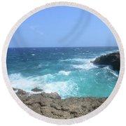 Lava Rock Cliffs And Crashing Ocean Waves In Aruba Round Beach Towel