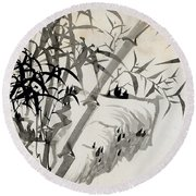 Leaf C Round Beach Towel