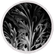 Leaf Detail 2 Black And White Round Beach Towel
