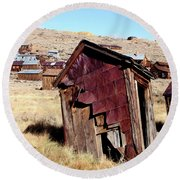 Leaning Bodie Outhouse Round Beach Towel