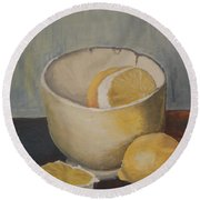 Lemon In A Bowl Round Beach Towel