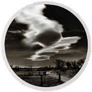 Lenticular Clouds Of Colorado Round Beach Towel