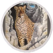 Leopard On The Rocks Round Beach Towel