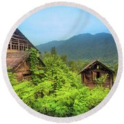 Life In A Mountains Round Beach Towel