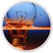 Light Bulb And Splash Water Round Beach Towel