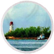 Lighthouse And Boat Nassau Bahamas Round Beach Towel