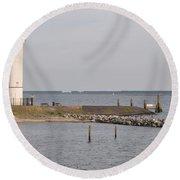 Lighthouse Hellevoetsluis Round Beach Towel