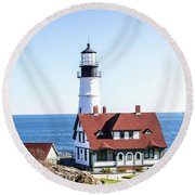 Lighthouse In Maine Round Beach Towel