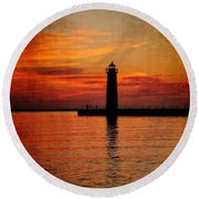Lighthouse Silhouette  Round Beach Towel