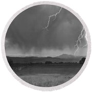 Lightning Striking Longs Peak Foothills 5bw Round Beach Towel