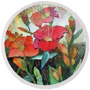 Lilies And Hummingbird Round Beach Towel