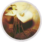 Lilies And Pearls Round Beach Towel