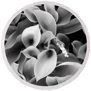 Lilies Of The Vallley Round Beach Towel