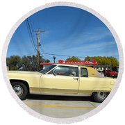 Lincoln Continental At Brint's Diner Round Beach Towel