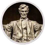 Lincoln Monument Round Beach Towel