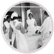 Lincoln School For Nurses Round Beach Towel