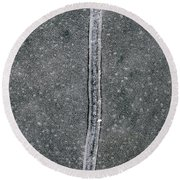 Line In The Bubbles  Round Beach Towel