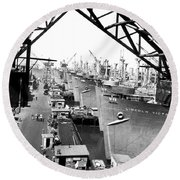 Line Of Victory Ships Round Beach Towel