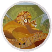 Lion And Lioness Round Beach Towel