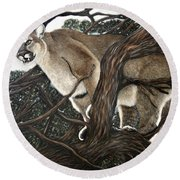 Lion In The Tree Round Beach Towel
