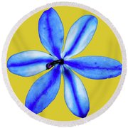 Little Blue Flower On A Yellow Background Round Beach Towel