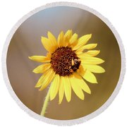 Little Bumble Bee Round Beach Towel